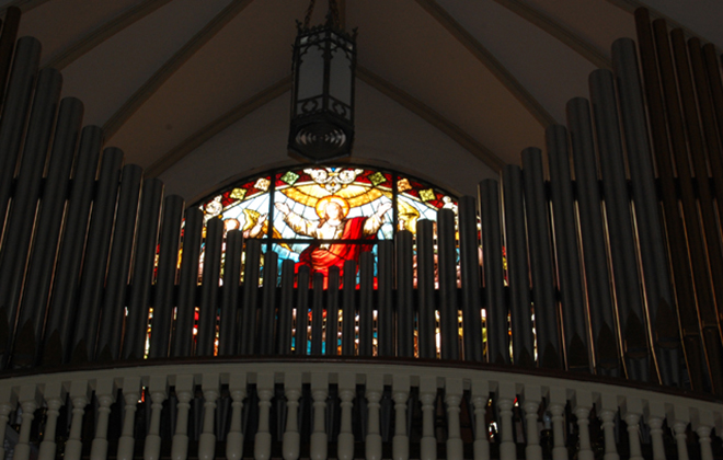 The tracker pipe organ, crafted by Carl Barckoff in 1910, was restored, augmented, and rededicated in January 1994.